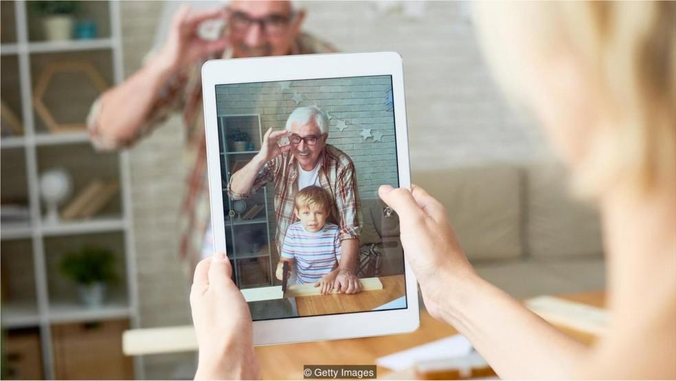Na era do excesso de informação, vale a pena lembrar que nossos smartphones não são os únicos que precisam ser recarregados de vez em quando (Foto: Getty Images)