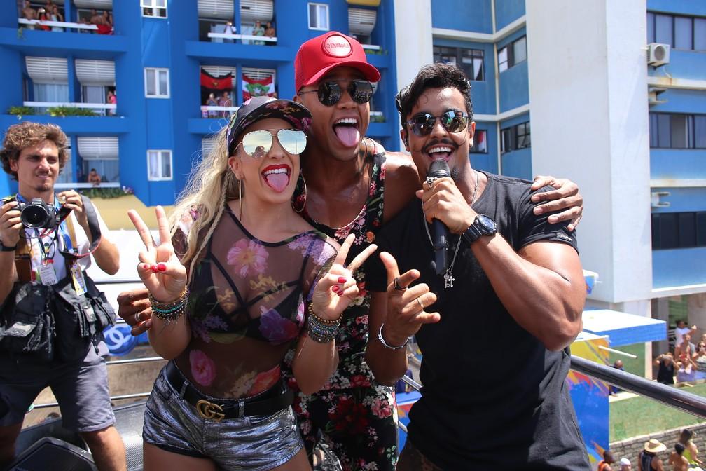 Lore, leo e lincoln Sena fazem a festa no 'Arrastão do Gigante' (Foto: Júnior Improta/Ag Haack)