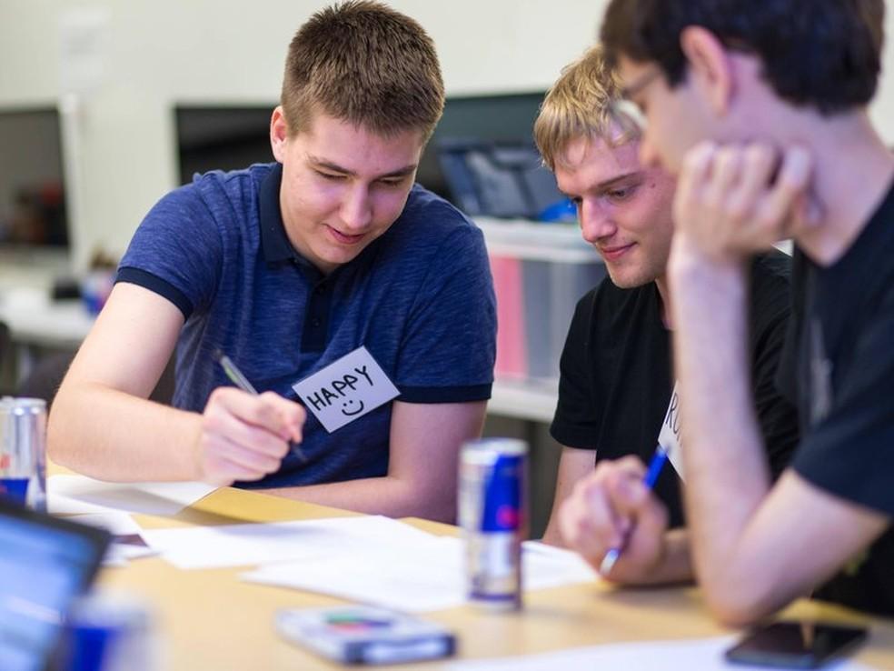 e8c049fb6 ... Red Bull está com programa de trainee aberto; participantes passam por  treinamento internacional com graduados