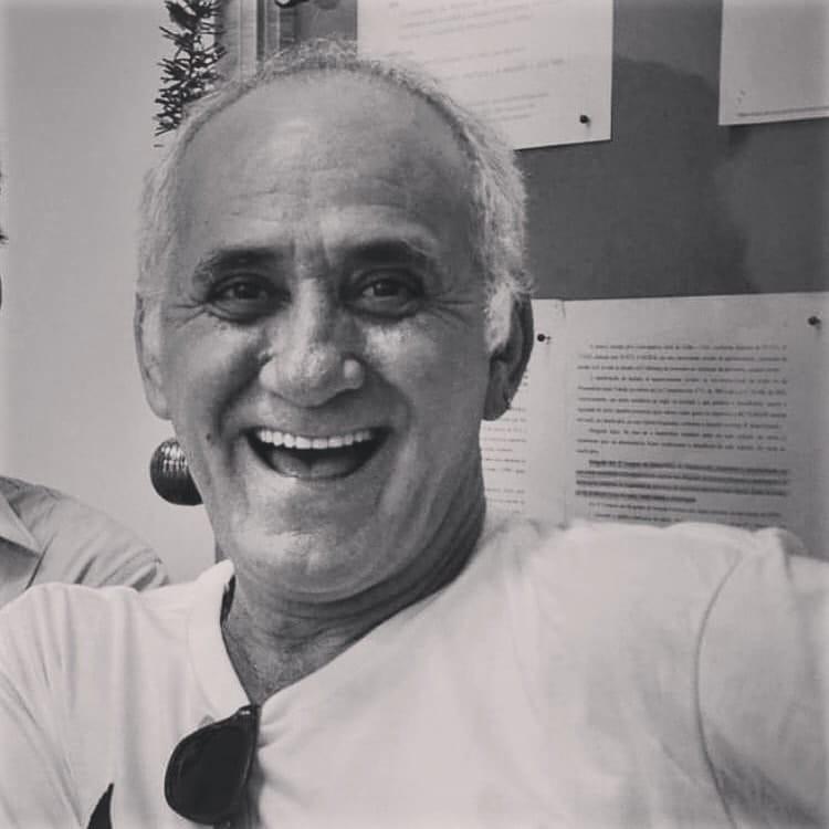 Ator e professor Luiz Pazzini morre por complicações da Covid-19