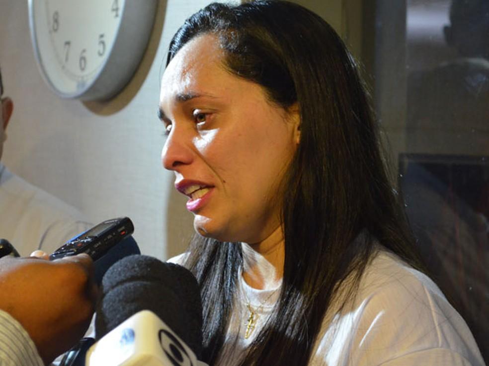 Isania Monteiro diz que o sentimento após a liberação do semiaberto é de injustiça (Foto: André Resende/G1)