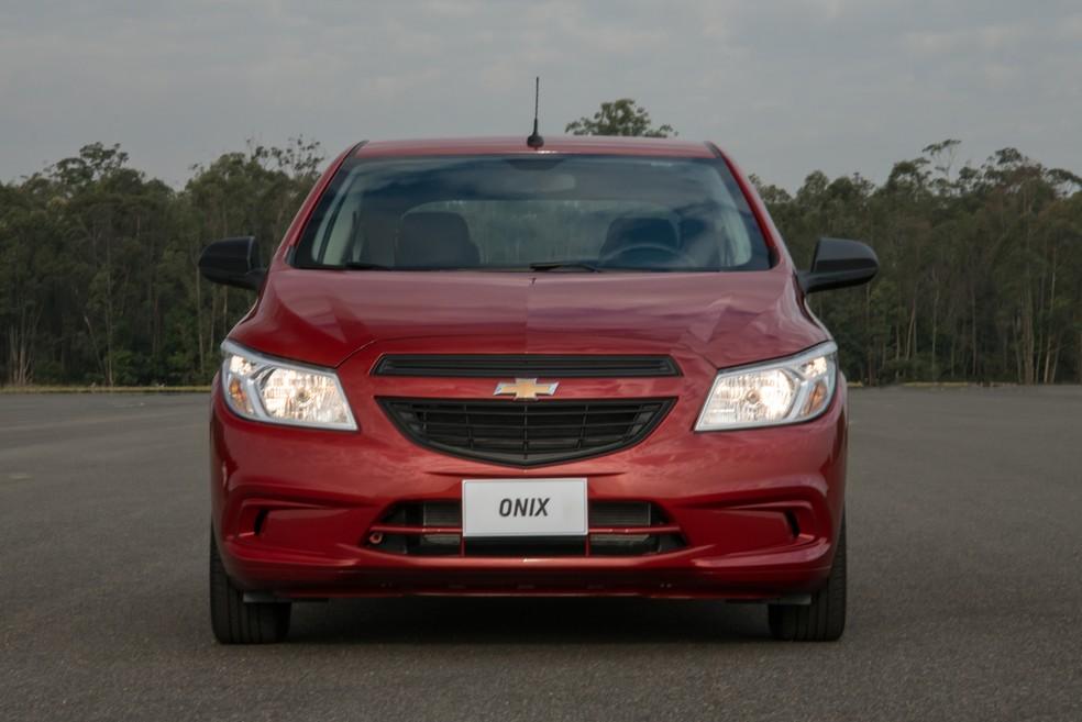 Chevrolet Onix Joy 2017 (Foto: Divulgação)