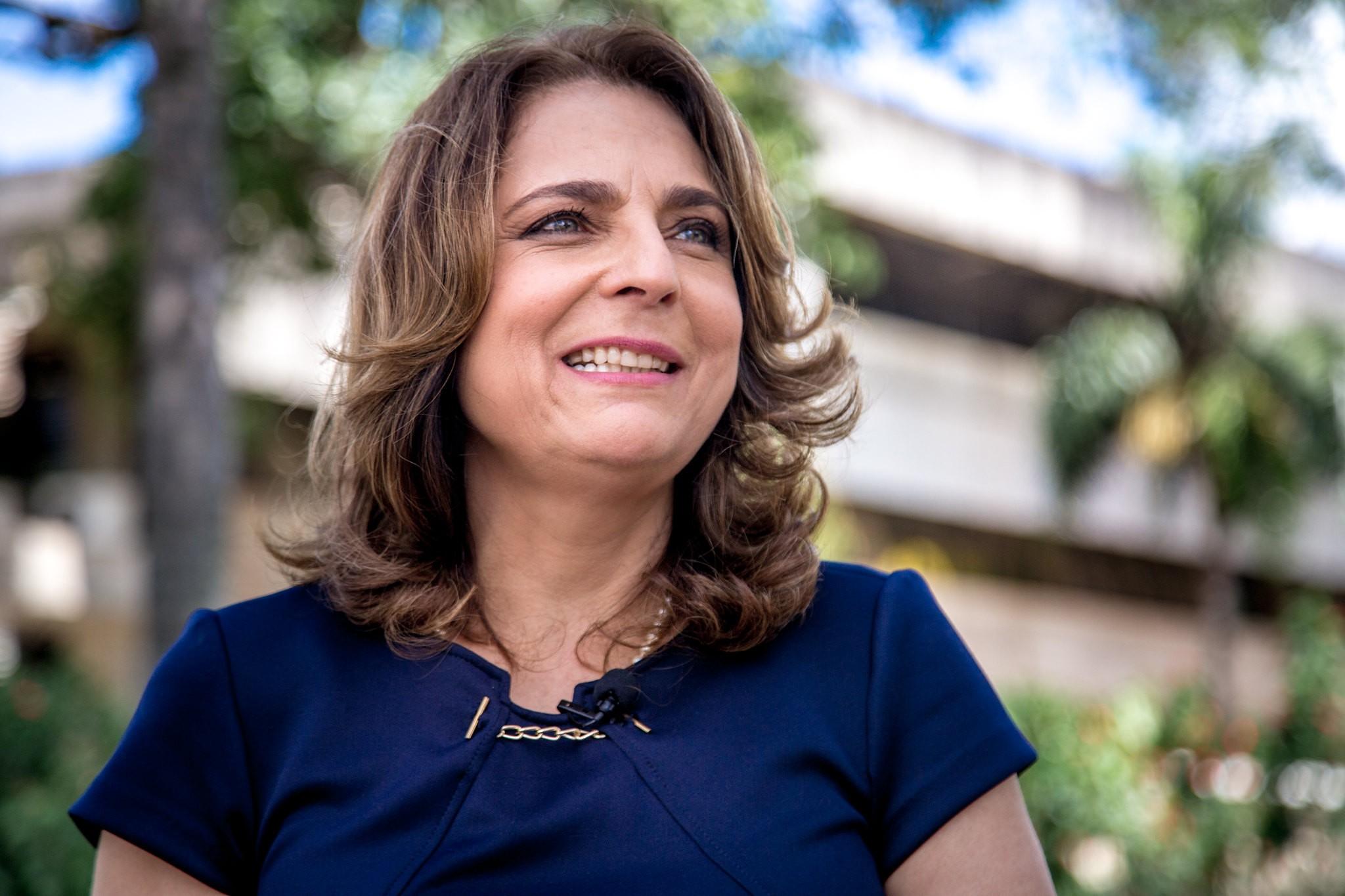 Bolsonaro nomeia Márcia Abrahão como reitora da UnB