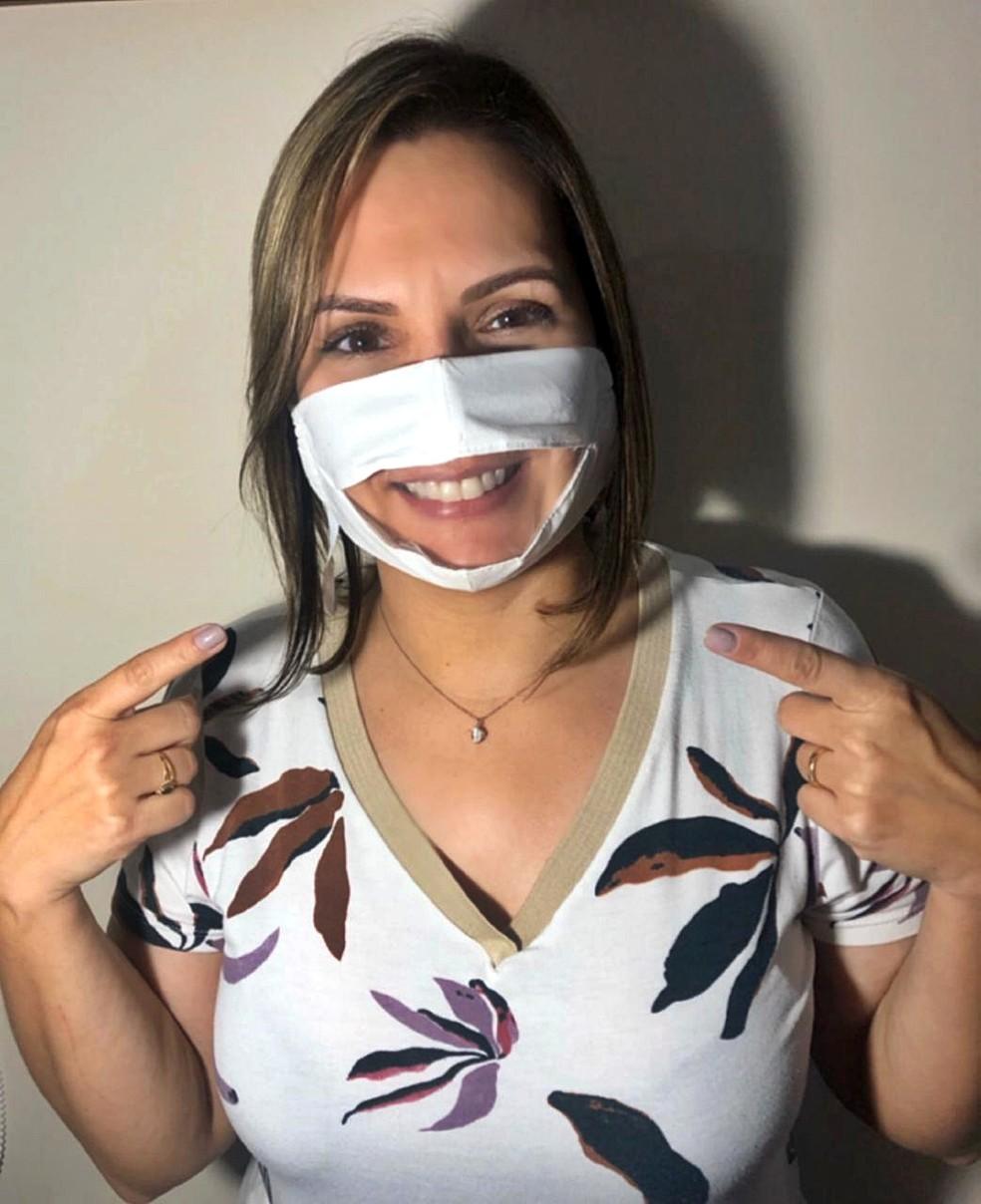 Mulher criou máscara que permite leitura labial em Poços de Caldas (MG) — Foto: Arquivo pessoal