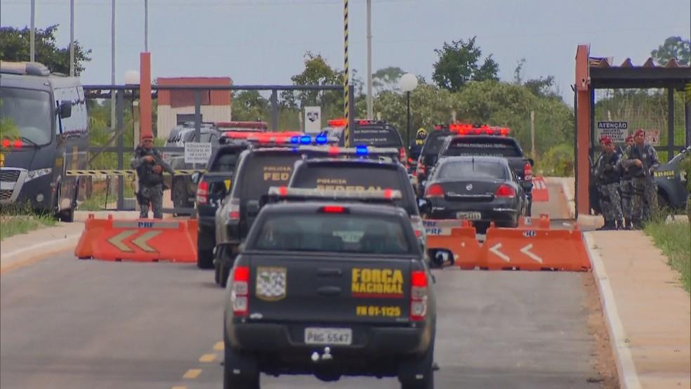 Chegada de presos de facção criminosa no Presídio Federal de Brasília, em imagem de arquivo — Foto: TV Globo/Reprodução