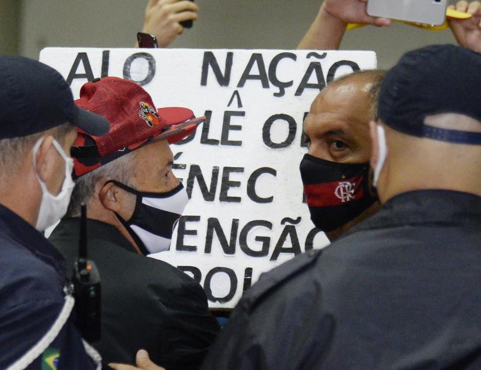 Domènec Torrent e Marcos Braz, Flamengo — Foto: André Durão / GloboEsporte.com