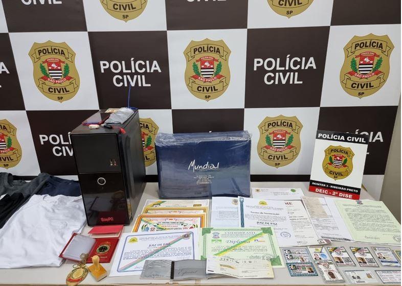 Homem acusado de se passar por juiz para aplicar golpes em lojas é preso em Serra Azul, SP