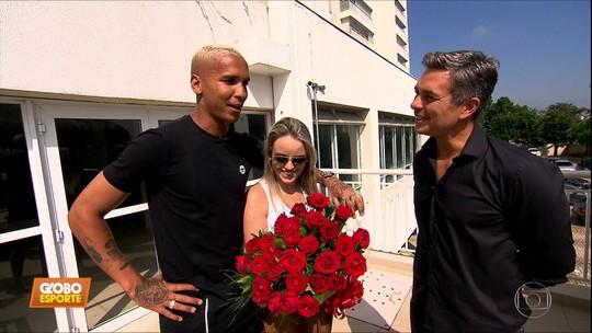 Deyverson, do Palmeiras, mostra todo o seu amor pela noiva Camila Nogueira