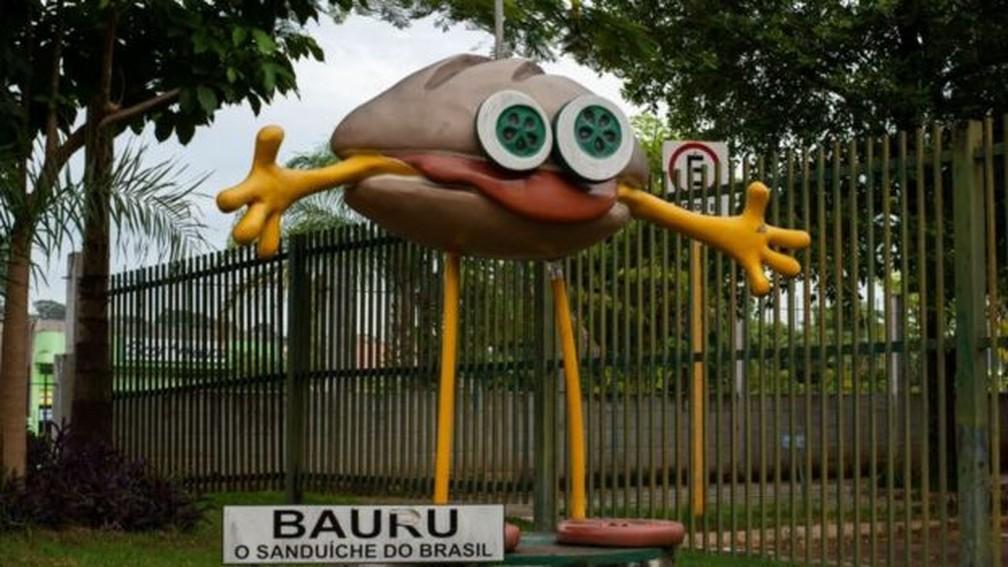 Cidade paulista de Bauru tem monumento do Bauruzinho — Foto: Carlos Hinke/ Machine Cult