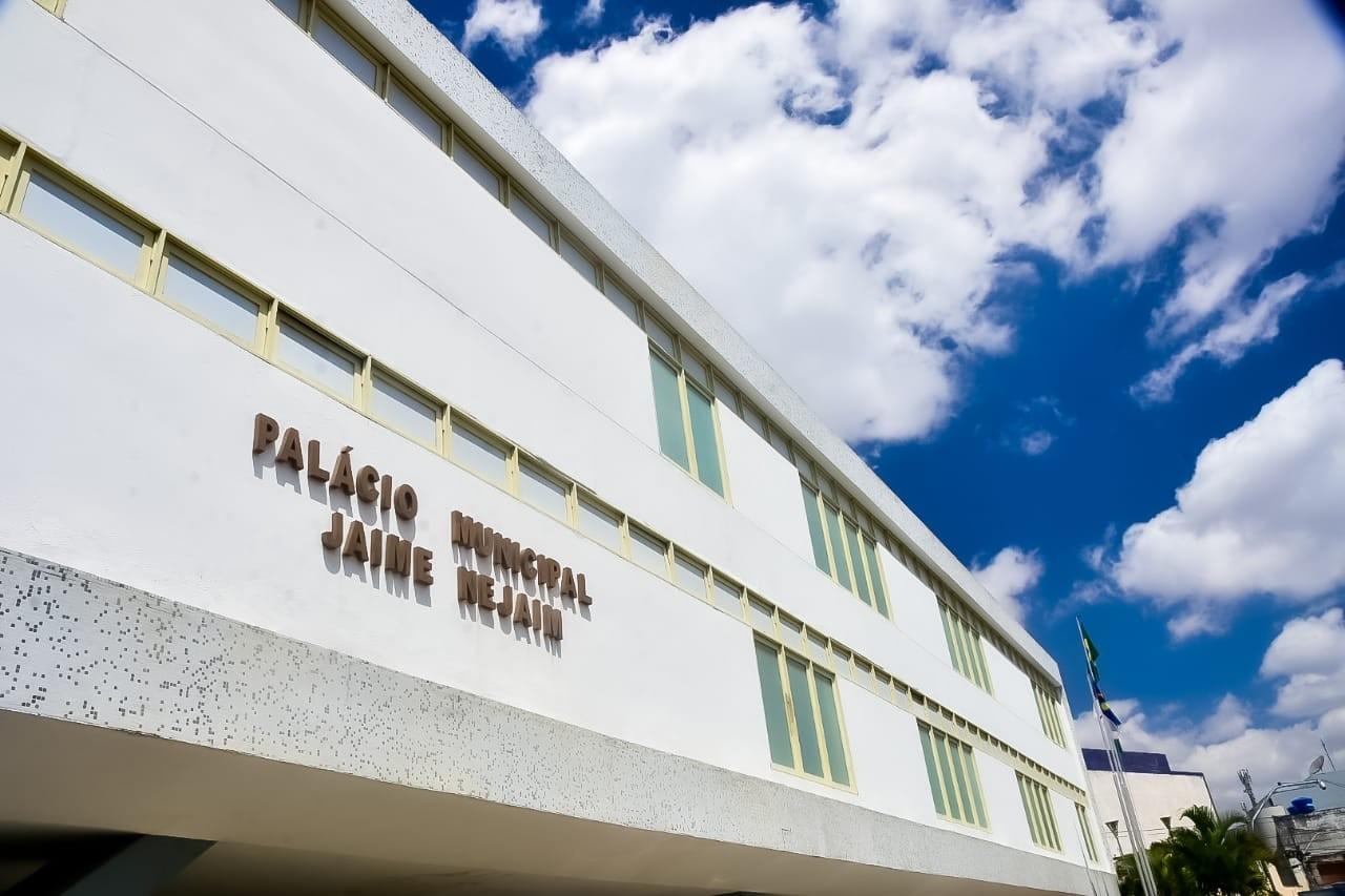 Prefeitura de Caruaru abre vagas de emprego para psicólogos, assistentes sociais e médicos plantonistas