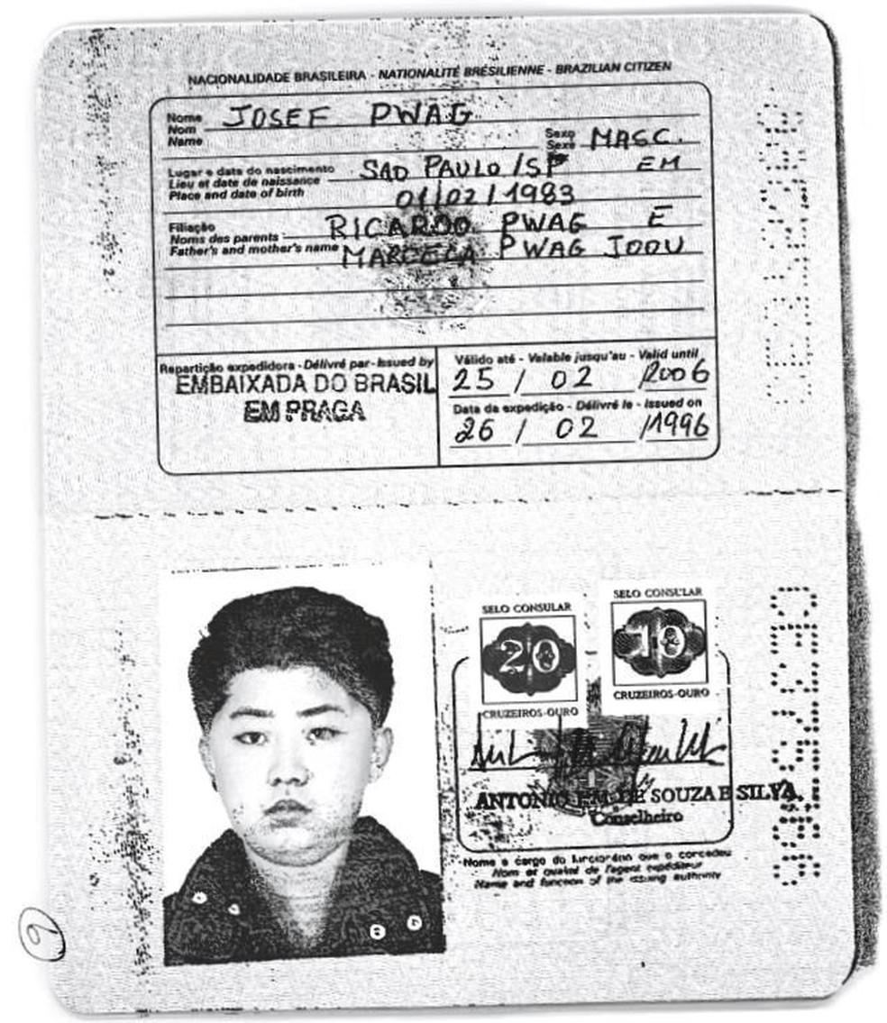 Cópia de passaporte brasileiro emitido para o líder norte-coreano Kim Jong-un  (Foto: Handout via Reuters)