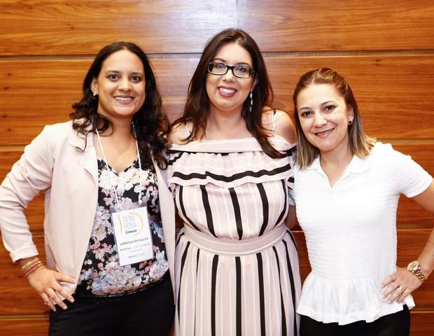 A fisioterapeuta obstétrica Vanessa Marques junto à diretora de núcleo da Editora Globo, Daniela Tófoli, e à personal gestante Gizele Monteiro (Foto: Ricardo Cardoso)