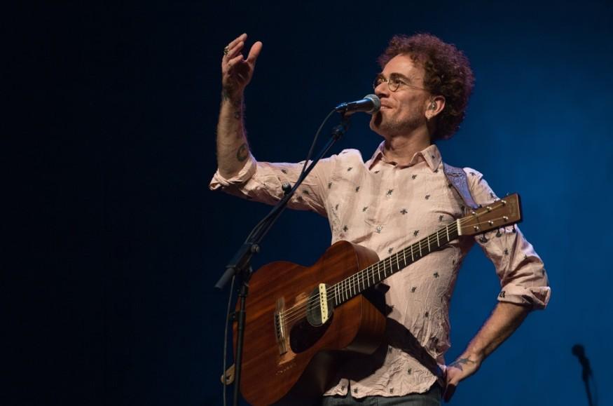 Titãs, carreira solo e parcerias na música: confira a entrevista de Nando Reis à CBN Caruaru