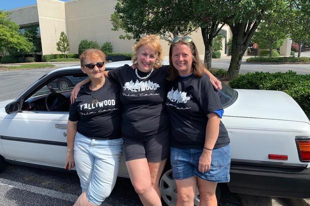Da esquerda para direita: Stacy Frasure, Beth Aylward e Jeana Lopeman, as administradoras da locadora (Foto: Beth Aylward)
