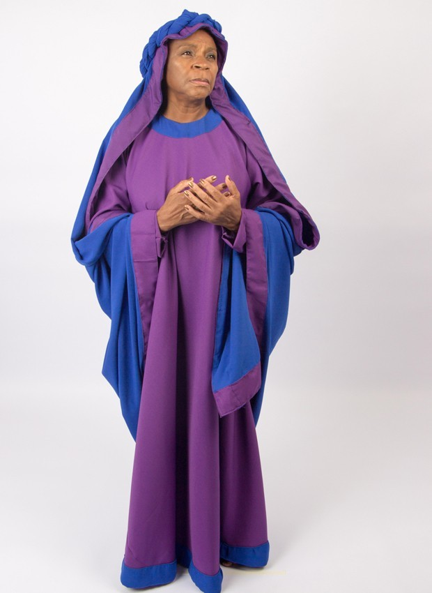 Zezé Motta caracterizada como Maria, seu personagem no espetáculo Paixão de Cristo (Foto: Chris Santos)