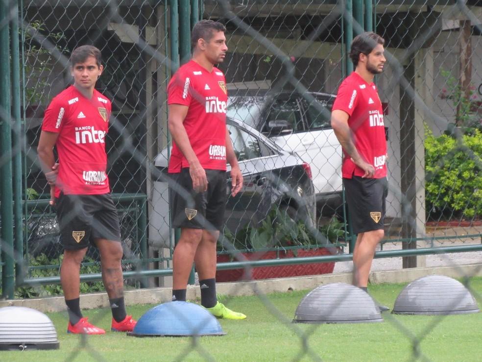Diego Souza treina no CT do São Paulo: atacante está acertado com o Botafogo — Foto: Leandro Canônico