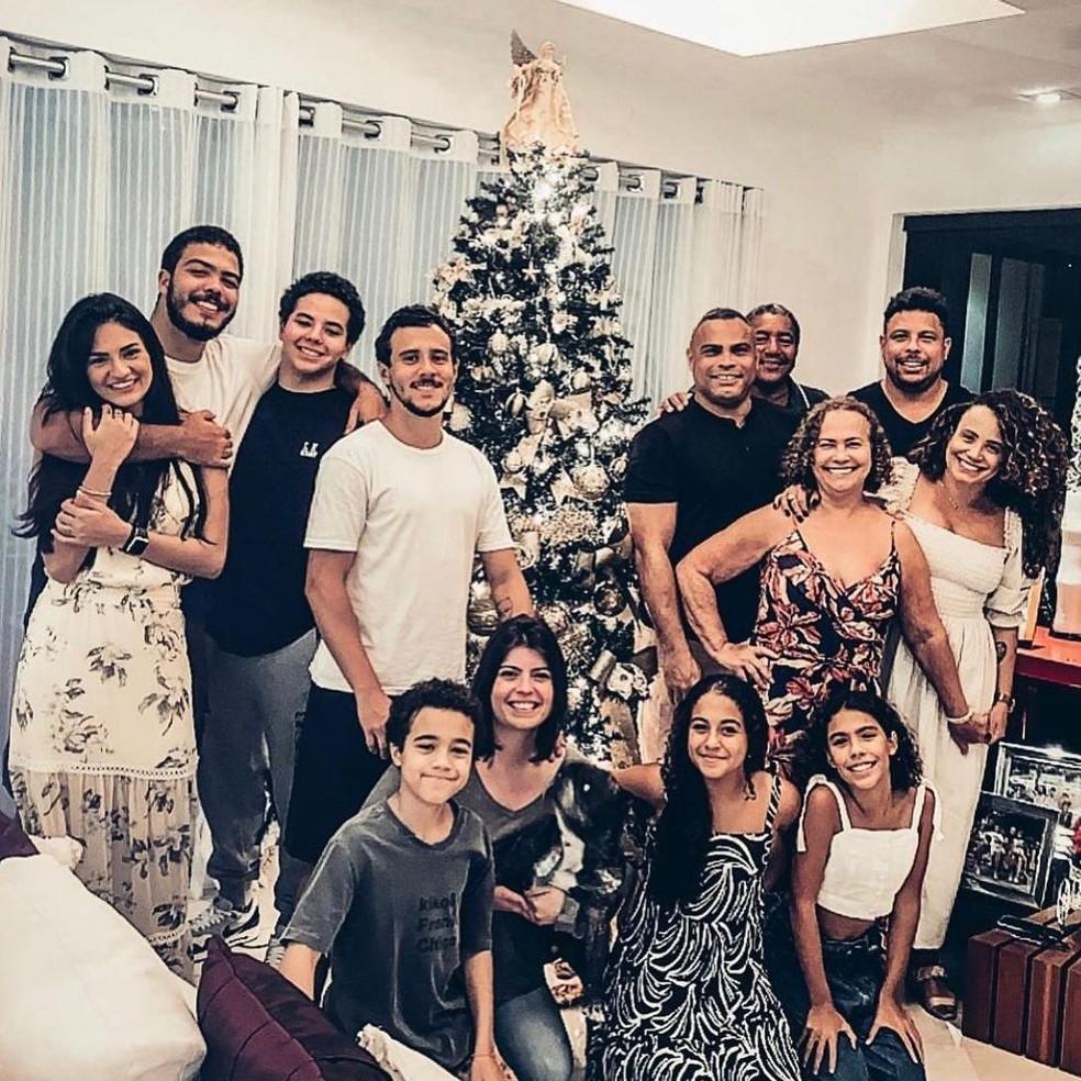 Ronaldo Fenômeno e família — Foto: Divulgação/Instagram