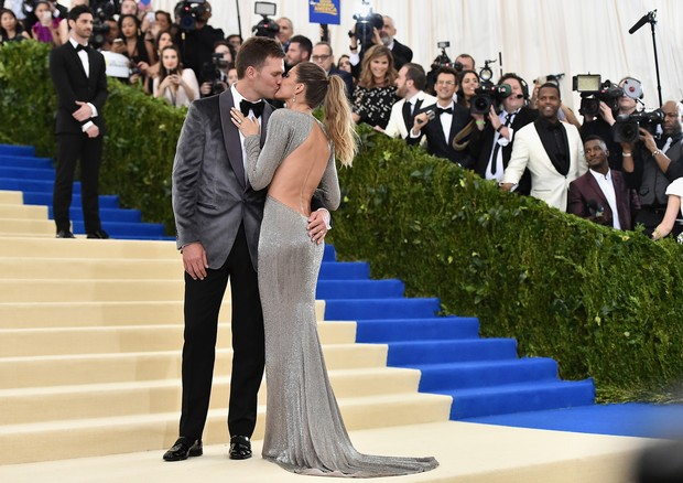 Gisele com Tom Brady no Met Gala 2017 (Foto: Getty Images)