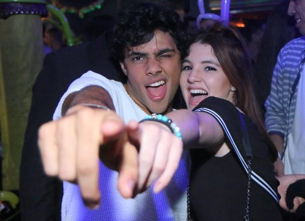 Gabriel Fuentes e Jeniffer Oliveira (Foto: AgNews)