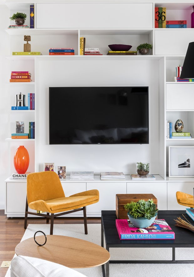 Design e pontos de cor garantem renovação de apartamento alugado (Foto: Renato Navarro)