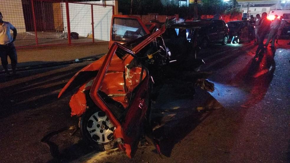 Carro do casal ficou destruído em Sorocaba — Foto: Arquivo pessoal