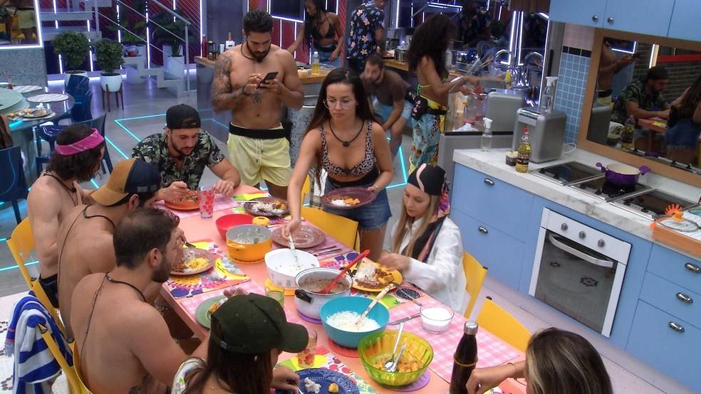 BBB21: Juliette faz desabafo na Xepa e Fiuk retruca: 'Que isso, está todo mundo feliz aqui' — Foto: Globo