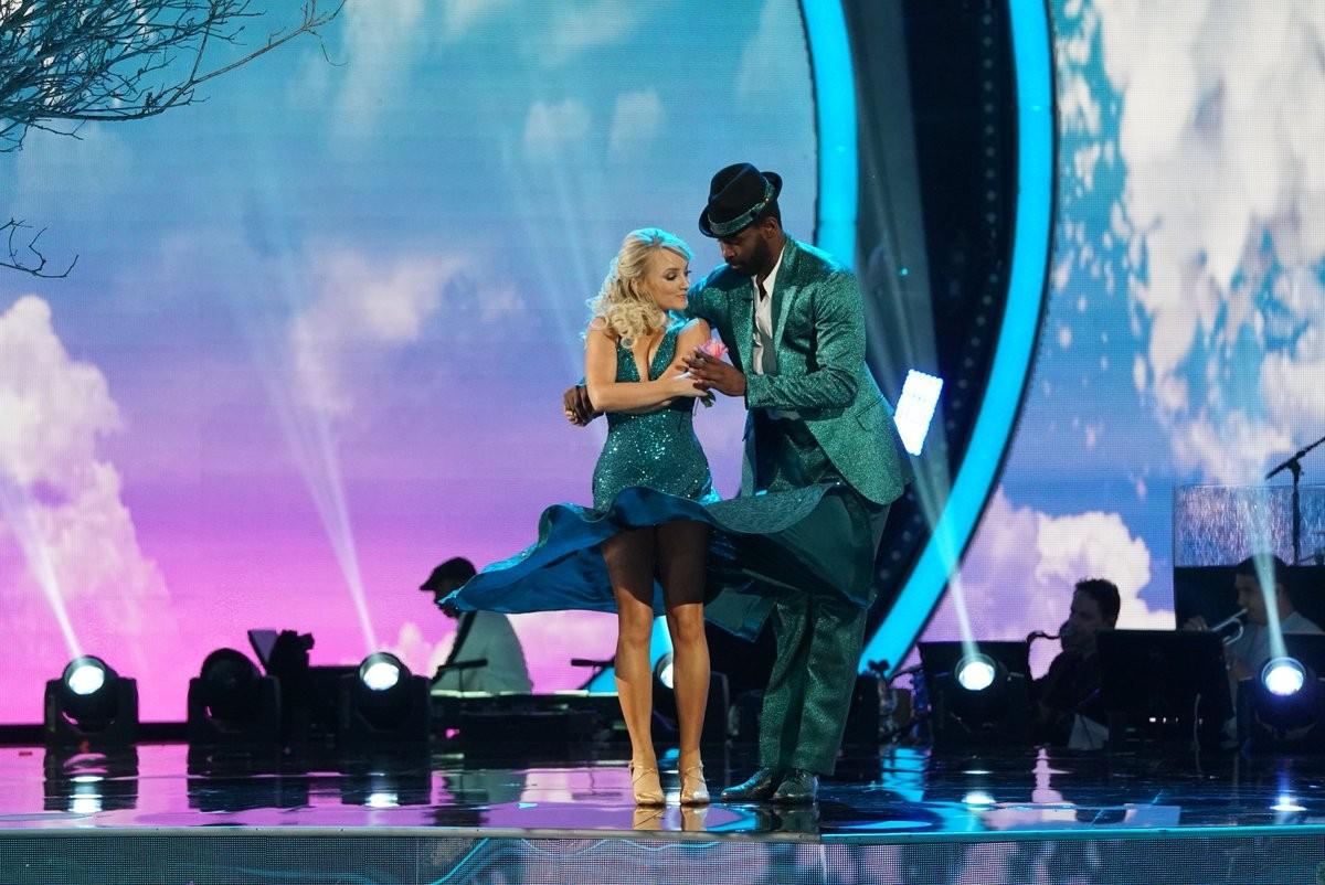A atriz Evanna Lynch durante sua participação na versão norte-americana do reality show Dança dos Famosos (Foto: Divulgação)