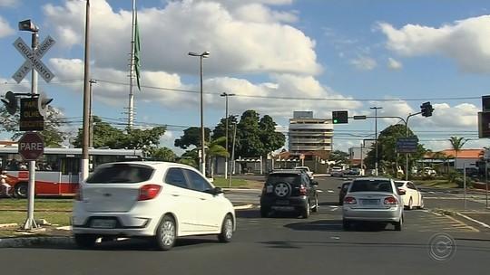 Donos de veículos de Marília são notificados a acertar atraso no IPVA