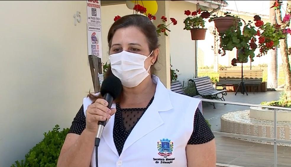 Elisabeth Bortolotto (PP) é professora há 25 anos na Escola Básica Municipal Bairro Bortolotto— Foto: Reprodução/NSC TV