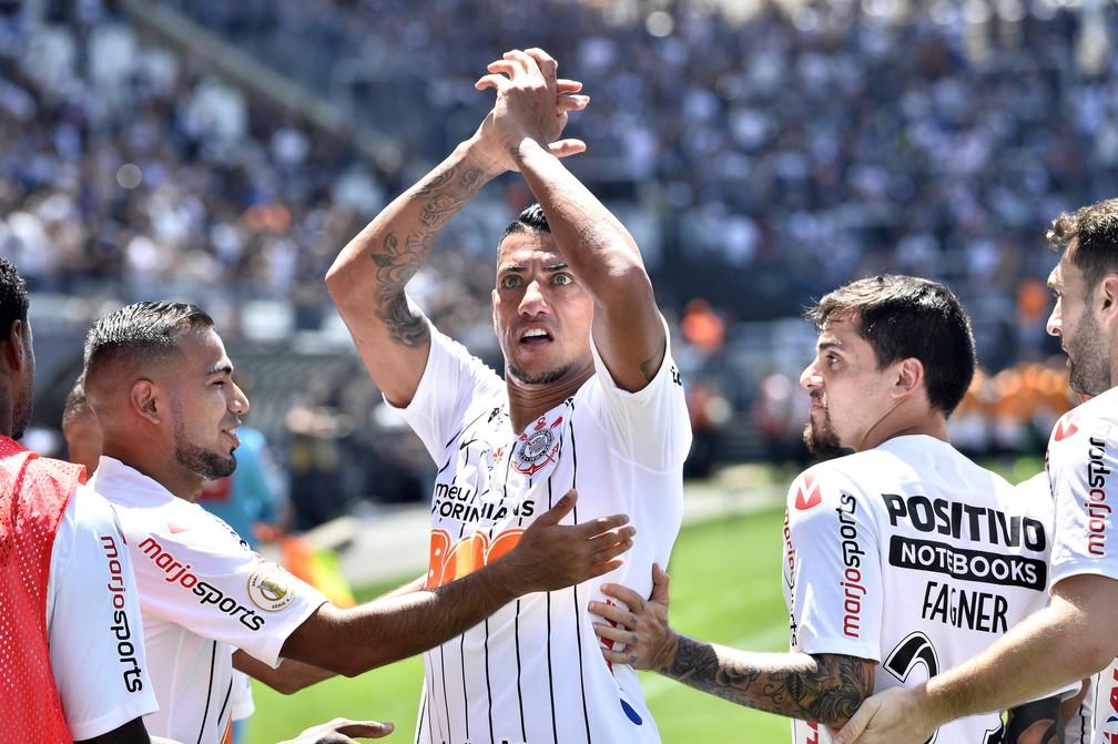 Ralf comemora gol em Corinthians x Vasco — Foto: Marcos Ribolli