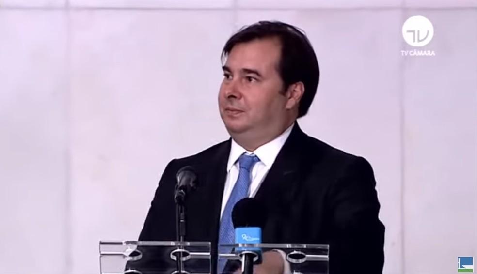 O presidente da Câmara dos Deputados, Rodrigo Maia, durante entrevista coletiva nesta quarta (25) — Foto: Reprodução/TV Câmara