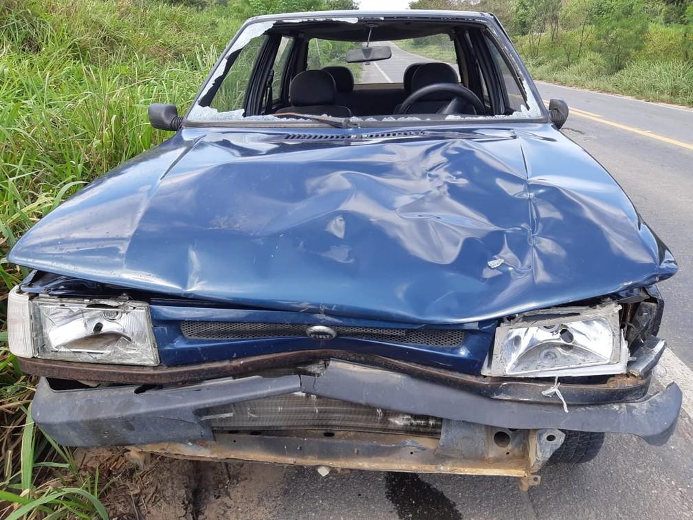 Acidente aconteceu na manhã deste domingo (1º) — Foto: Polícia Rodoviária Federal