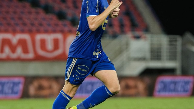 Matheus Barbosa comemora gol pelo Cruzeiro