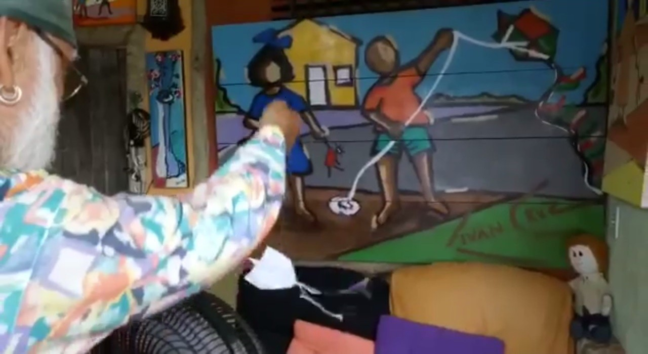 Artista leva o lúdico de suas obras de arte para a vida real e mostra que é possível até soltar pipa no ventilador
