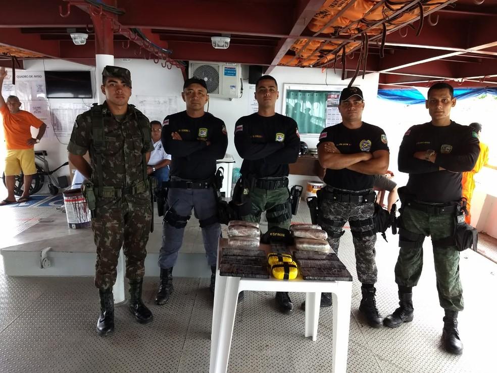 Policiais do 8º Batalhão de Polícia Militar de Tabatinga (BPM) realizaram aprenesão de drogas no município de Tabatinga, no AM (Foto: Divulgação/PM)