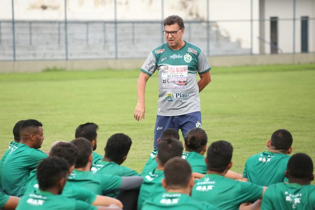 Estevam Soares, novo técnico Altos  — Foto: Luis Júnior/Altos