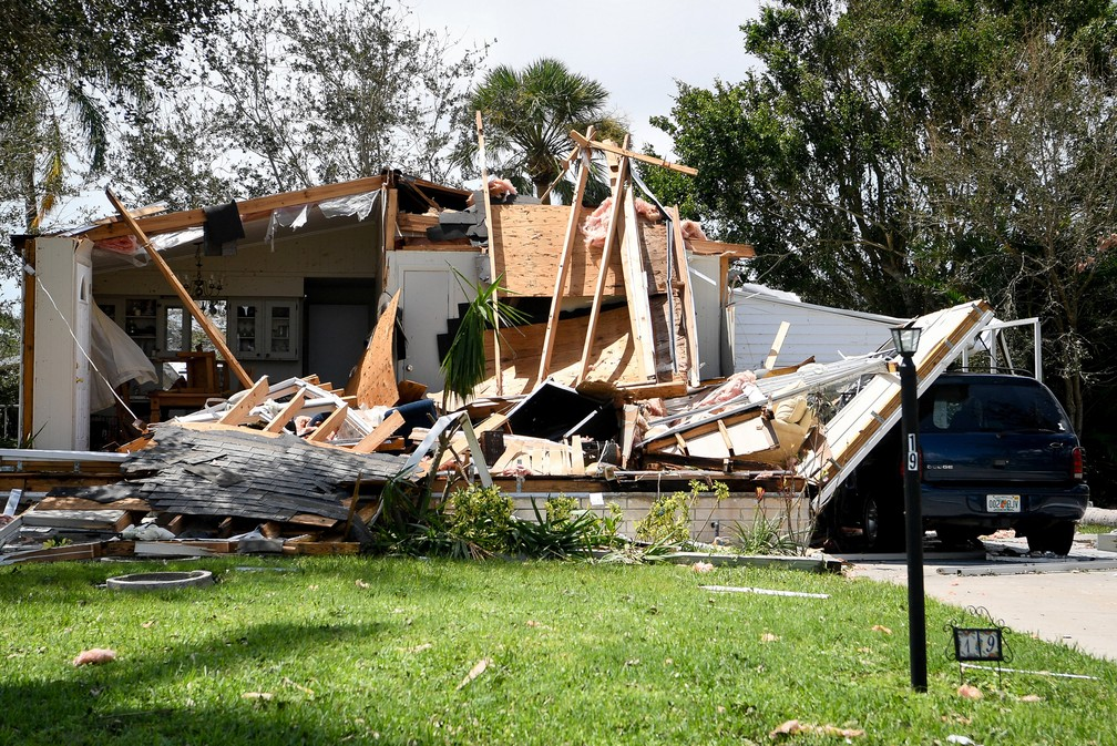 Uma casa é vista destruída após passagem do furacão Irma, em Naples, na Flórida (Foto: Bryan Woolston/Reuters)