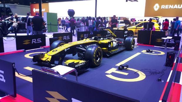 Simulador Renault RS no Salão do Automóvel de SP 2018 (Foto: Maria Clara Dias/ Autoesporte)