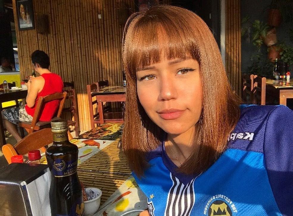 Milena estava na garupa e namorado pilotava a moto quando acidente ocorreu em São Vicente, SP — Foto: Reprodução