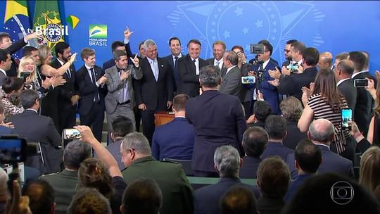 Ação da Taurus tem novo salto nesta quarta após decreto de Bolsonaro sobre armas
