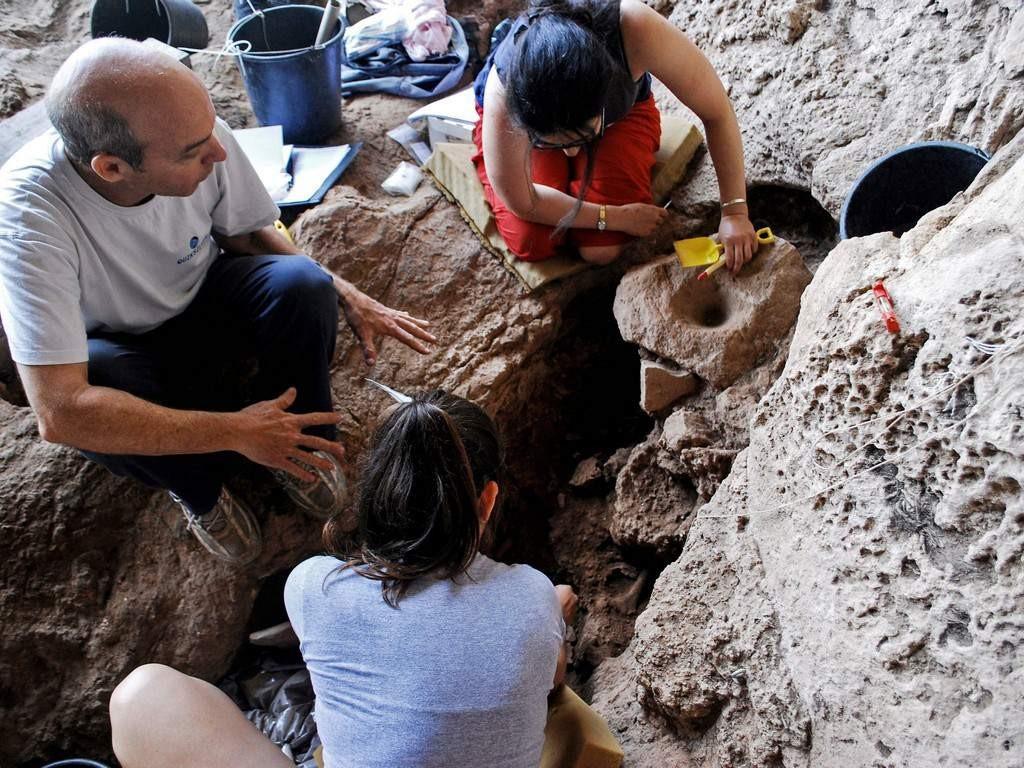 Arqueólogos descobrem cervejaria mais antiga do mundo  (Foto: Dani Nadel/ HAFA University/ AFP)