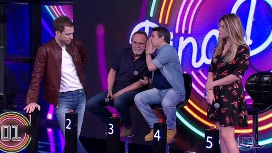 Tiago Leifert e Daiana Garbin vencem Cássio e Tato Gabus Mendes no 'Ding Dong'