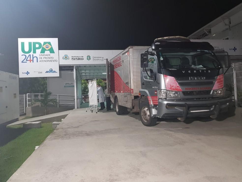 """""""Ratinho"""" foi socorrido para a UPA após ser atingido por tiros, mas não resistiu aos ferimentos e morreu na unidade de saúde. — Foto: Rafaela Duarte/ Sistema Verdes Mares"""