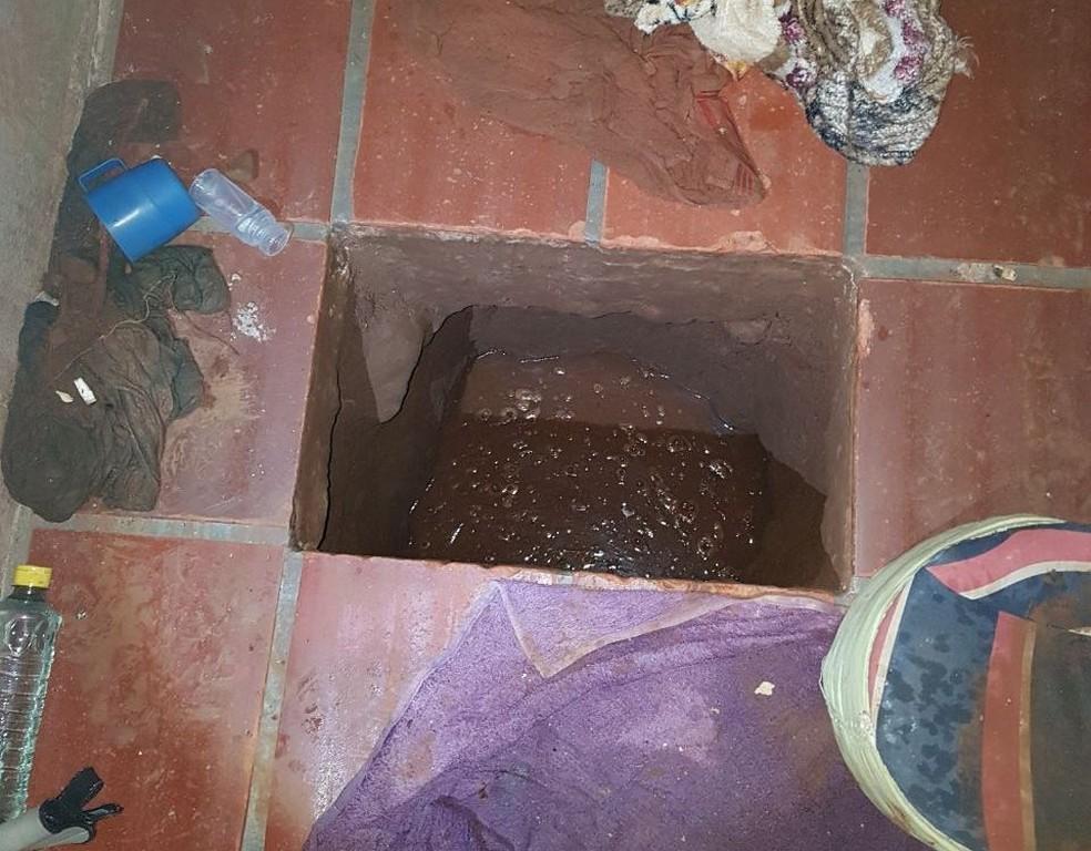 Túnel foi descoberto dentro de cela no Presídio de Sarandi (Foto: Divulgação/Susepe)