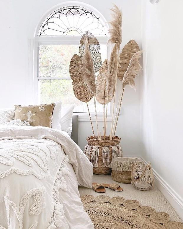 Décor do dia: fibras naturais no quarto de casal