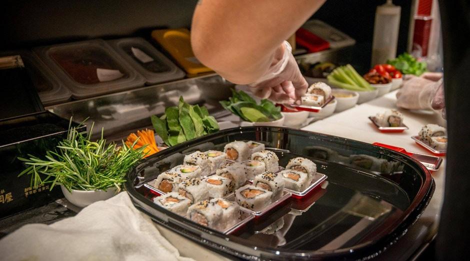 """Rede """"This is not a sushi bar"""" oferece desconto baseado no perfil do cliente no Instagram  (Foto: Reprodução/Facebook/This Is Not A Sushibar)"""