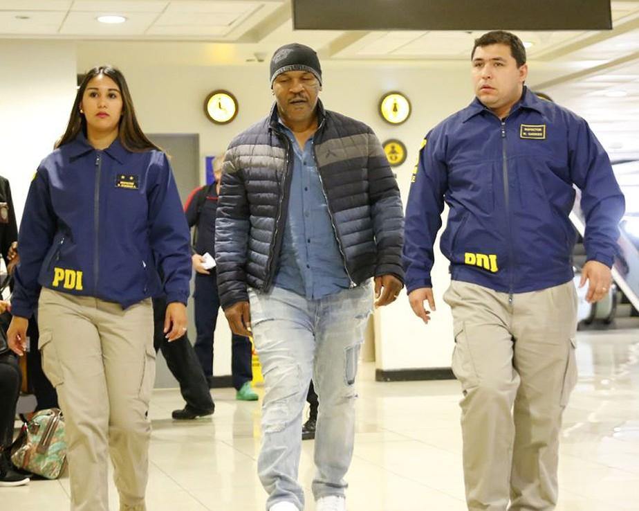 Com histórico de prisões, Mike Tyson é impedido de entrar no Chile e é deportado