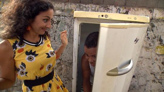 Maria mapeia o Marback, na Boca do Rio, e se diverte ao encontrar figuras pitorescas