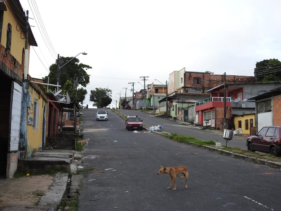 Assaltantes aterrorizaram moradores da 4� etapa do Jorge Teixeira (Foto: Adneison Severiano/G1 AM)