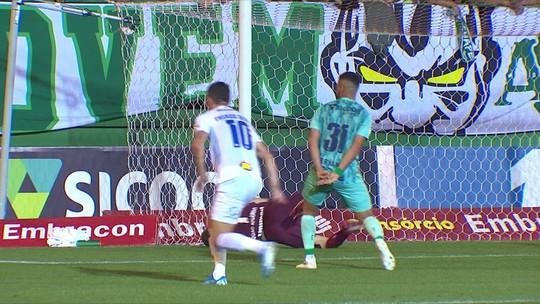 Sem aproveitar chances diante de lanterna, Cruzeiro vê risco matemático de rebaixamento aumentar